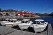 Bootssteg und Angelboote in Flatanger