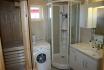 Gardsøya Ferienhaus Nr. 5: Badezimmer und Waschmaschine und Sauna