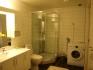 Bad mit Dusche, WC und Waschmaschine