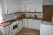 große Küche mit allem was man benötigt