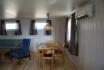 Ferienhaus Nr. 1: Wohnbereich mit Esstisch