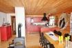 Lofoten Trollfjorden: offene Küche mit Ofen