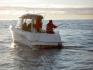 Angeln auf einem Arovor-Angelboot