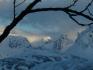 auch das ist Norwegen: Schneebedeckte Berge