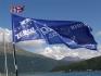 die Fahne weht im Fahrtwind