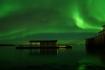 Nordskot Brygger am Vestfjord mit Nordlicht
