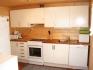 geräumige Küche mit allem, was man braucht