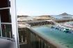 Blick von der Terrasse zum Bootssteg
