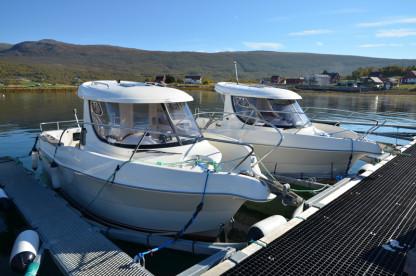 große GFK Kabinenboote in Dåfjord