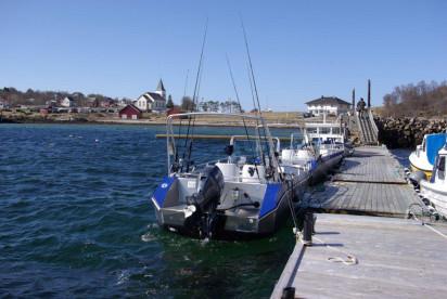 Bootsflotte in Eidet mit den bekannten 19 Fuß Kværnø-Angelbooten