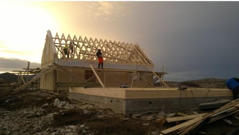 Bau der Unterkünfte in Vevelstad