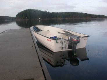 schöne Angelboote GFK in Feste Brygger