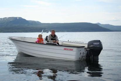neben Alubooten stehen auch die bekannten GFK Øien Angelboote zur Verfügung