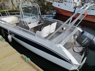 Angelboot mit Platz für bis zu vier Personen