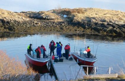 ordentliche Aluboote bringen die Angler ans Ziel