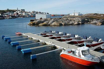 neben offenen Anglebooten stehen den Anglern auch Kabinenboote zur Verfügung