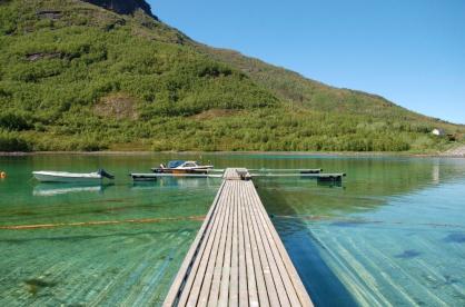 Angelboot und Bootssteg in Straumfjorden