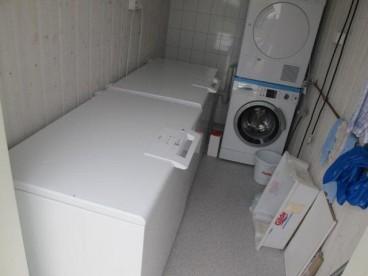 Waschmaschine und Gefriertruhe in Ylvingen