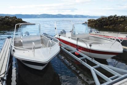 schöne Angelboote