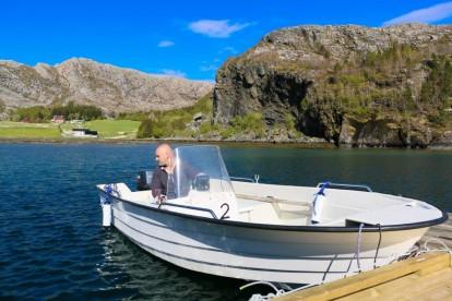 Hasvåg Bootsteg mit Øien Angelboot