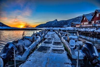 Senja-Havfiskesenter-neue-Boote-am-Steg