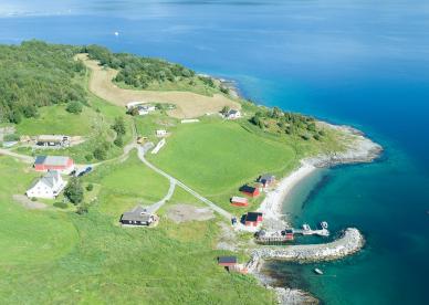 Drone Dyrøy Holiday